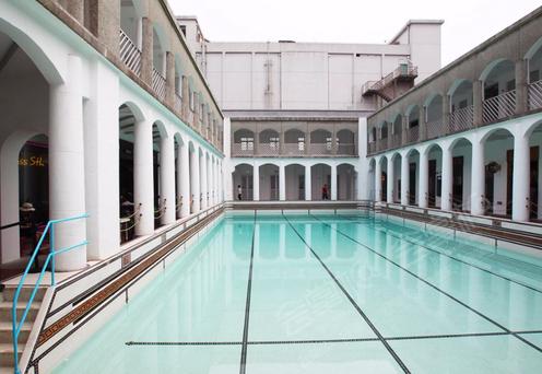 海军俱乐部泳池