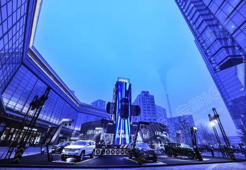 华贸中心南广场