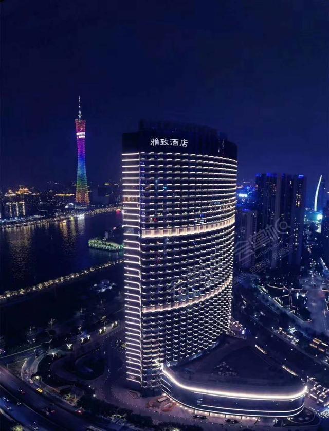 """广州网红酒店,270°全落地窗俯视""""小蛮腰""""28楼云端下午茶"""