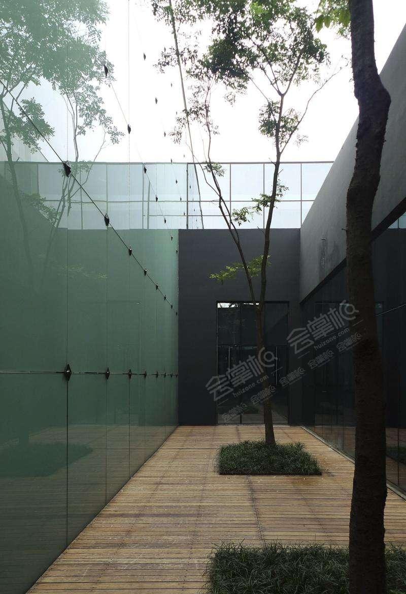成都红美术馆展览场地,一站式艺术体验服务商