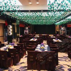 济南能容纳超过500人办会议的四星级酒店有哪些?济南会议场地