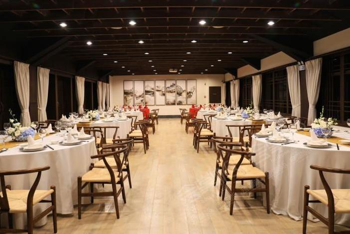 西安能容纳300-500人的四星级会议酒店推荐 西安会议场地