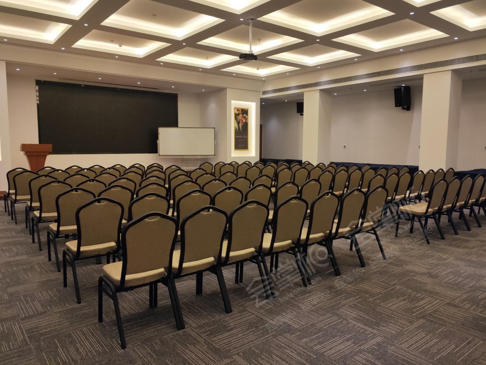 济南适合300-500人办活动的四星级会议酒店有哪些?