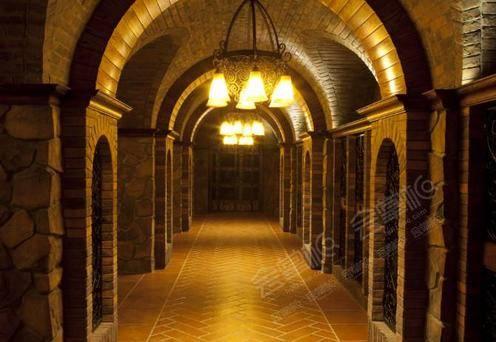 East东方红酒窖酒窖二层V1包