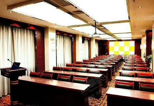 17楼条桌会议室