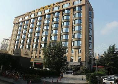 成都华纳丽尊酒店