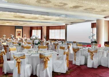 柏拉图宴会厅