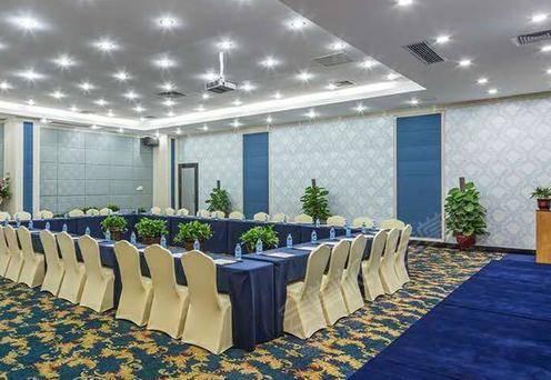 蓝色会议室