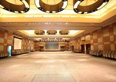 Raffles Ballroom莱佛士宴会厅