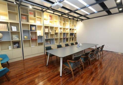 安柏小型会议室