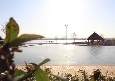 内丘鹊山湖阿尔卡迪亚国际度假酒店