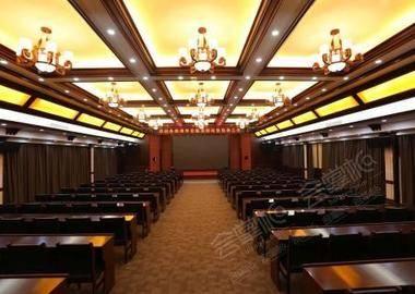 玉龙阁会议室