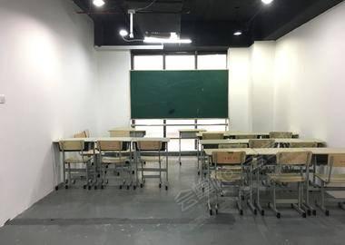 沪太路-培训机构教室2