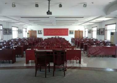 嘎子村二楼会议室