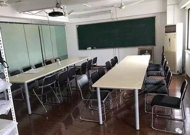 大连路-培训场地中间教室