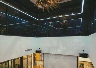 中庭阶梯大厅